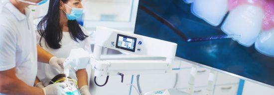 Spannende Zeiten in der Zahnmedizin: Behandeln mit dem 3D-Videomikroskop