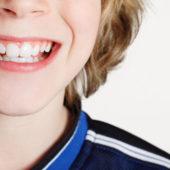 Professionelle Mundhygiene: Für Kinder und Jugendliche jetzt gratis