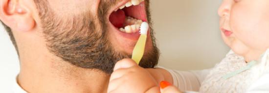 Nicht zu schnell nach dem Essen Zähneputzen!